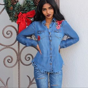 Tops - Cute long sleeves denim top with embroidery roses